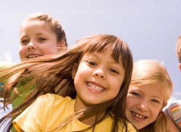 """"""" Одговорност је кад одговараш пријатеља да не учи и наговараш га да се игра"""" – дечји бисери"""