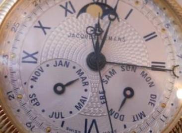 Часовник и календар
