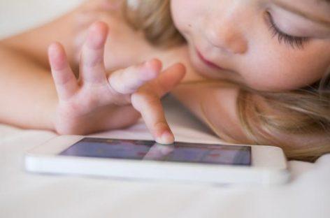 Ако детету  дате телефон, мораћете да живите са НЕ ТАKО ЛЕПИМ ПОСЛЕДИЦАМА
