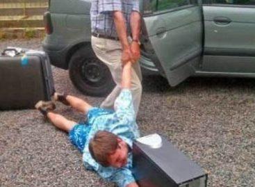 Син је зависан од игрица, шаљемо га у надницу: Родитељи из Чачка дали необичан оглас!