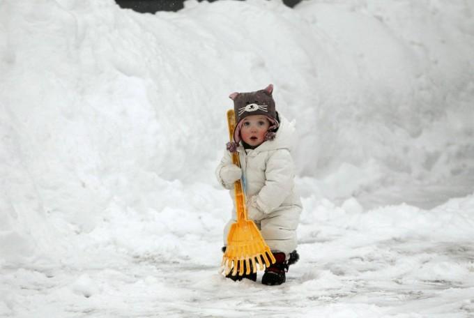 dete-u-snegu