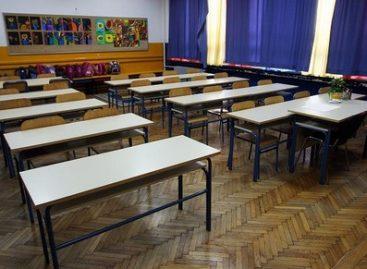 Затвара  се 14 средњих школа у Србији: Уместо њих, биће формирано 7 нових