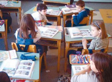 Prvacima i petacima nove knjige, od septembra učenje i iz digitalnih udžbenika