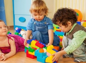 """Предшколска установа """"Радосно детињство"""" од наредне школске годне биће подељена на осам појединачних предшколских установа"""