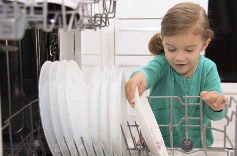 Да ли децу треба награђивати за обављање кућних послова?