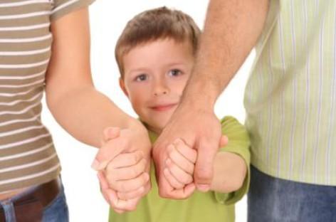 Колико је родитељска контрола повезана са проблемима деце у одрастању?