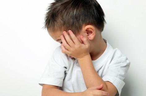 Знакови аутизма код беба и предшколаца
