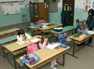 Оцењивање школа: Већина добила тројку