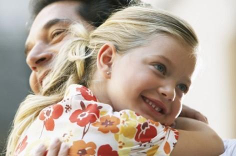 Како да тата само једним разговором реши проблем љубоморе старијег детета