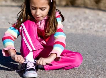 Где су деца која умеју да вежу пертле?