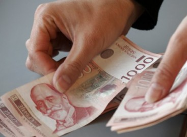 Раст плата већи од четири одсто