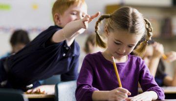 Зашто данашња деца не могу да седе мирно на часу?