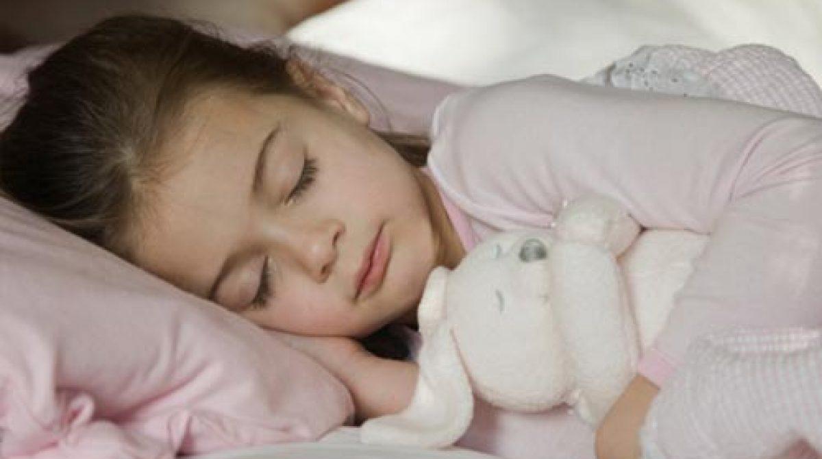 Kako da dete prestane da piški u krevet