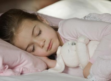 Шта када се дете боји да спава само у кревету