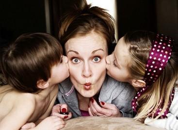 """5 погрешних """"морам"""" уверења која нам отежавају родитељство"""