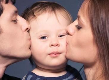 Како показати детету да је вољено