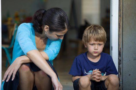 Kако да причате да би вас деца слушала?