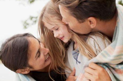 """""""Није пажња оно што дете тражи, већ љубав"""""""