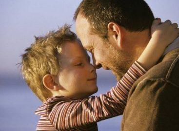 Пет необичних особина које смо наследили од родитеља