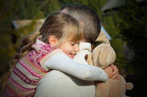 Kada bih mogla da putujem kroz vreme, vratila bih se u tatin zagrljaj