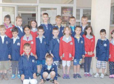 Најновија идеја министра просвете Младена Шарчевића je увођење ђачких униформи