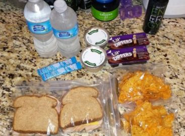 Пазите чиме храните децу: Престаните да им купујете сокове, а уместо виршли дајте им сланину