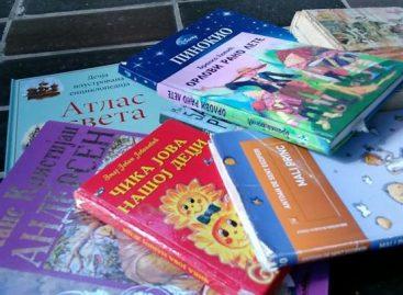 Откуд књиге из школске библиотеке у контејнеру?