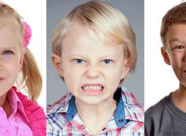 Како да препознате тикове код деце и шта значе