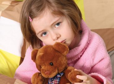 Педијатри из Тиршове: Шта НИКАКО не смете да радите кад дете има температуру