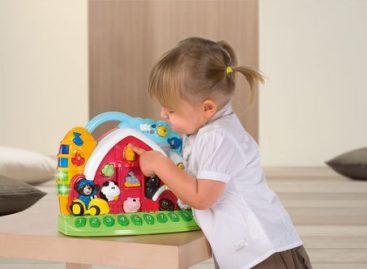 Едукативна играчка која развија памћење и језичке способности