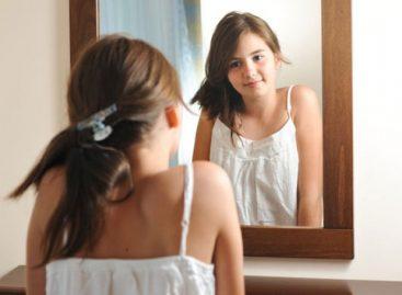 Адолесценција и сазревање – шта могу да очекују родитељи девојчица