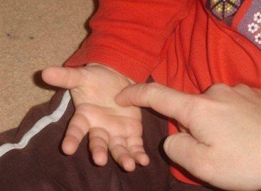 Активност прстића помаже развоју говора