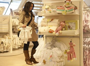 Шта научиш кад си мајка: Научиш да уђеш у бутик и не купиш себи ништа