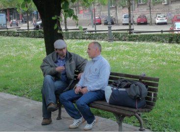 Професоре који штрајкују глађу грађани пријавили комуналној полицији