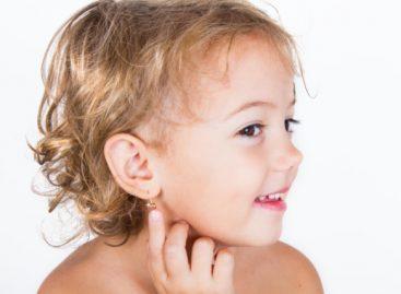 Педијатар Дејан Јонев: Не бушите бебама уши!
