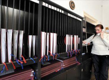 Наставник који је међу првима тужио државу  добио спор, био је оштећен за 2.800 динара