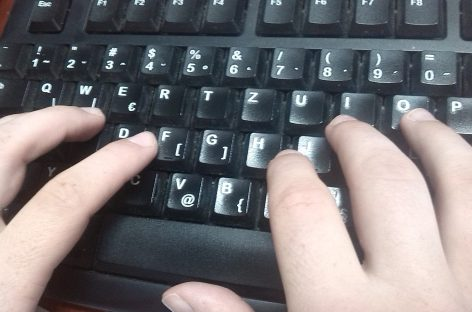 Pisanje rukom ili kuckanje – šta je bolje za mozak?