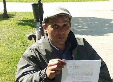 Професор који је штрајковао глађу превезен у Ургентни центар