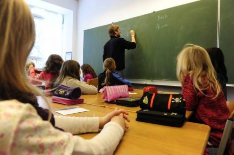 """Имамо школу која још увек далеко више припрема децу за """"назови науку"""", него за живот"""