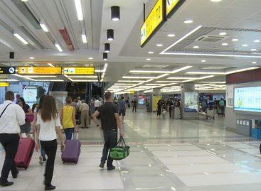 Аутистичном дечаку забрањен улазак у авион Ер Србије (да не би узнемирио путнике)