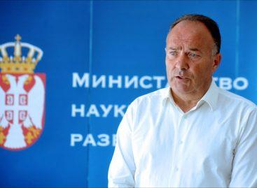 Шарчевић: С премијерком ускоро о дугу просветарима из 2014.