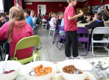 Новина у школама: Запошљавају се куварице и сервирке