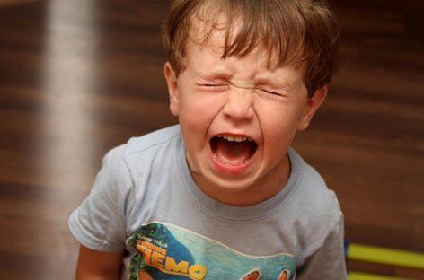 Темпер тантрум је РАЗВОЈНИ ФЕНОМЕН који се јавља на узрасту од 2- 5 година