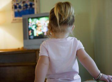 Разлози због којих дете ТРЕБА да гледа телевизију (и која правила успоставити)