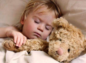 Од ког узраста деца не морају да спавају преко дана