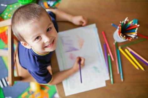 Ових 30 детаља на дечјим цртежима откривају надарену децу