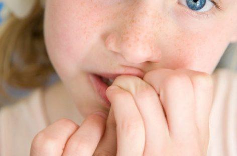 Сиса палац и грицка усне? Шта стоји иза ових дететових навика и треба ли да се ЗАБРИНЕТЕ?
