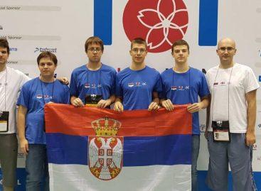 Хоћемо ли их дочекати на балкону? Ученици из Србије освојили три медаље на Олимпијади из информатике