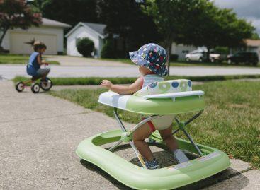 Дубак НЕЋЕ помоћи да дете брже прохода, али може успорити моторички развој