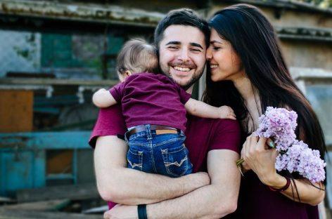 Da biste decu naučili zdravim porodičnim odnosima nisu vam potrebne reči